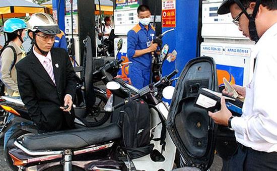 Từ 15h hôm nay (4/8): Giá xăng RON 92 và E5 giảm 816 đồng/lít