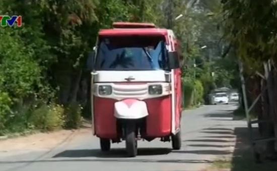 """Pakistan: Dịch vụ """"xe lam hồng"""" dành riêng cho phụ nữ"""