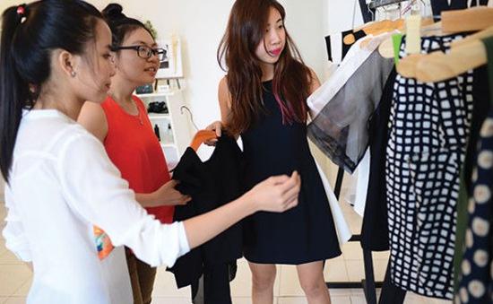 Shop thời trang siêu chất nằm ở các căn chung cư cũ TP.Hồ Chí Minh