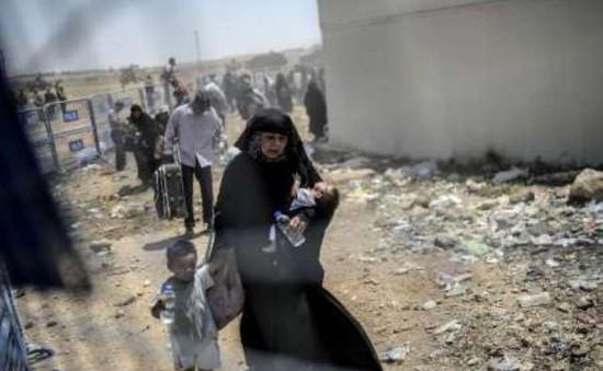 Gần 1 triệu người mắc kẹt trong các vùng chiến sự Syria