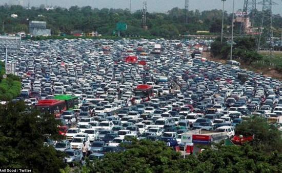 Ấn Độ áp dụng quy định ô tô lưu thông ngày chẵn - lẻ theo biển số xe