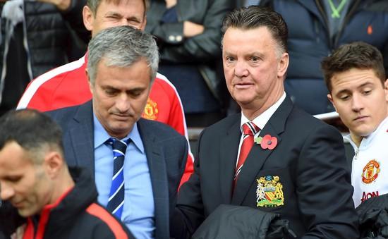 """""""Sếp"""" Man Utd lên tiếng thanh minh cho Van Gaal, Mourinho"""