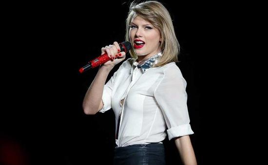 Taylor Swift ẵm 2 giải tại People's Choice Awards 2016