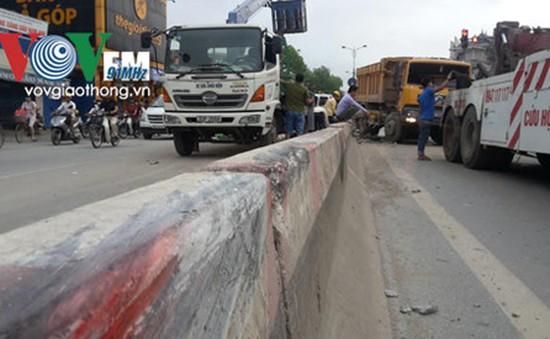 Gia tăng tai nạn giao thông do leo qua dải phân cách