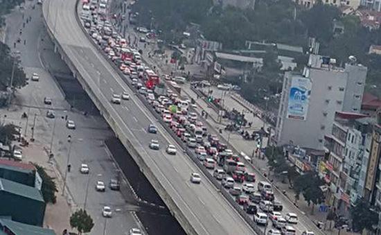 Cao tốc Pháp Vân - Cầu Giẽ ùn tắc nghiêm trọng