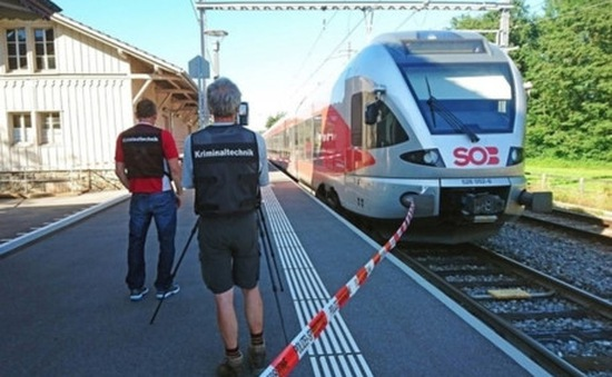Chưa xác định yếu tố khủng bố trong vụ tấn công đoàn tàu tại Thụy Sĩ