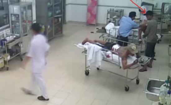 Cảnh báo tình trạng côn đồ chém người trong bệnh viện tại TP.HCM