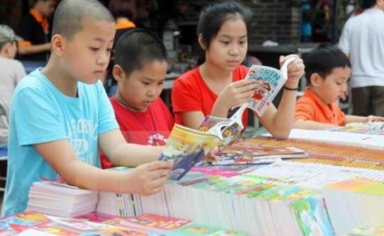 Hội sách thiếu nhi 2016 thu hút đông đảo độc giả nhí Thủ đô