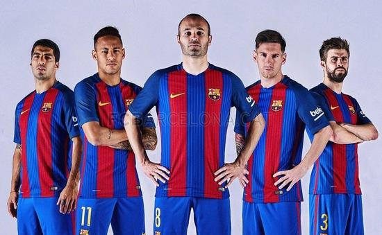 Barca công bố áo đấu mùa giải 2016/17