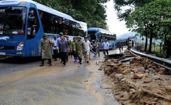 Quốc lộ 4D đi Sa Pa cơ bản thông tuyến sau mưa lũ