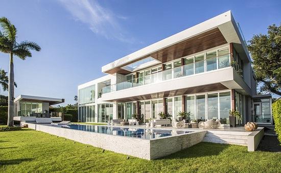 """Biệt thự bên bờ biển đẹp như """"hộp nữ trang"""" của Rihanna"""
