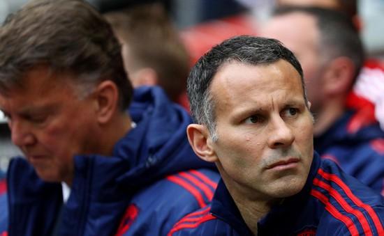 Đồng đội cũ khuyên Ryan Giggs rời Man Utd