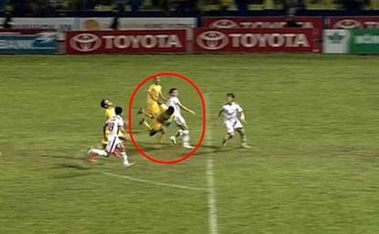 FLC Thanh Hóa 2-2 SLNA: Quả phạt đền phá hỏng trận đấu