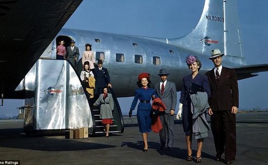 """""""Thượng đế"""" ngành hàng không những năm 50 sang trọng, lịch thiệp cỡ nào?"""