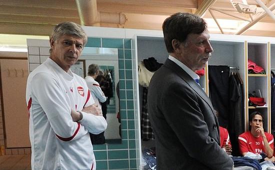 Arsenal lụi bại: Tại ai?