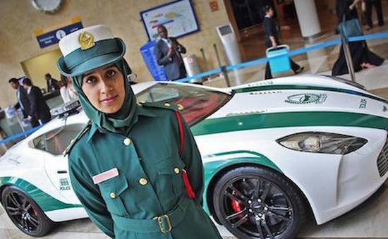 Chiêm ngưỡng dàn siêu xe của cảnh sát Dubai