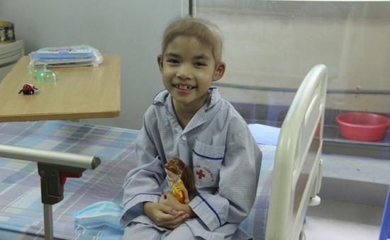 Cứu sống cháu bé bị suy tủy xương nhờ phương pháp ghép tế bào gốc