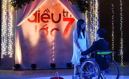 """Điều ước thứ 7: Lễ cầu hôn ngọt ngào của chàng trai xe lăn và cô gái """"một chân"""""""