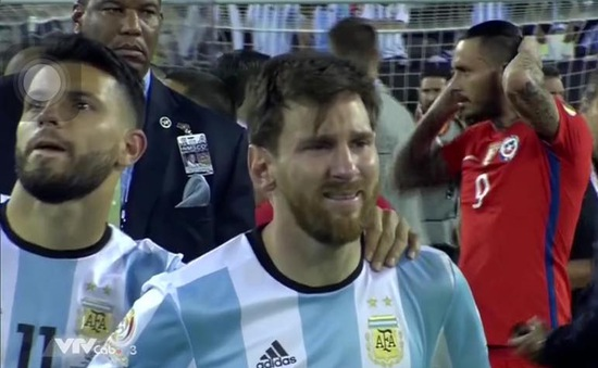 "Câu hỏi của con trai khiến Messi ""đau như cắt ruột"""