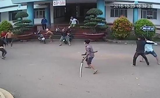 Điều tra nhóm thanh niên vào bệnh viện chém người tại Đồng Nai