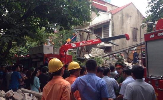 Sập nhà 4 tầng ở Hà Nội: 2 nạn nhân tử vong