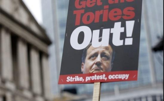Làn sóng công khai thu nhập và nộp thuế tại Anh