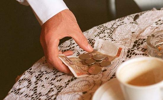 Người dân Mỹ chi tới 40 tỷ USD tiền tip mỗi năm