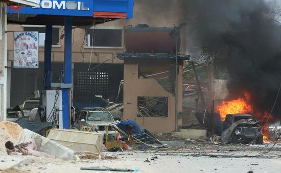 Somalia: Khủng bố al- Shabaab tấn công khách sạn ở Mogadishu