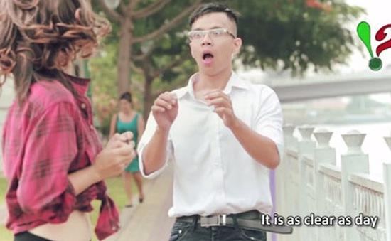 """Thầy giáo dạy tiếng Anh qua bài hát cover """"Thật bất ngờ"""" cực hay"""