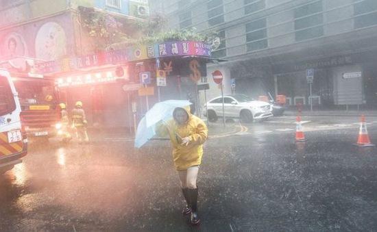 Bão Nida quét qua miền Nam Trung Quốc, hàng trăm chuyến tàu bị hủy