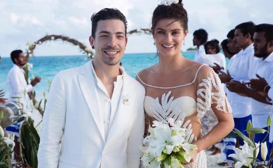 Chân dài Isabeli Fontana mặc áo tắm trong ngày cưới