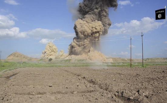 IS phá hủy ngôi đền Assyria 3.000 năm tuổi ở Iraq