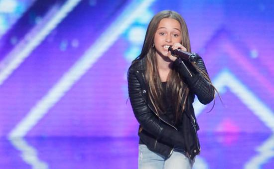 Cô bé 11 tuổi đọc rap siêu chất làm náo động America's Got Talent