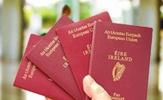 Muốn là công dân EU, nhiều người dân Anh xin cấp hộ chiếu Ireland