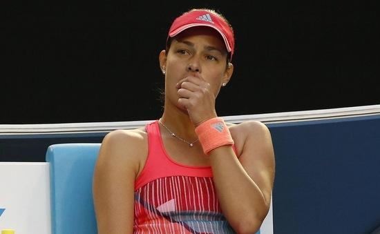 Bố vợ Murray bất tỉnh giữa trận đấu của Ivanovic tại Australian Open