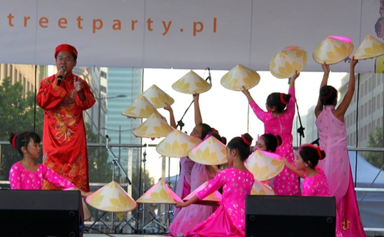 Việt Nam tham gia Lễ hội đa văn hóa tại Warszawa