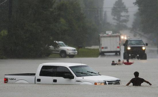 Mỹ: 1 người chết, 2 người mất tích vì lũ lụt