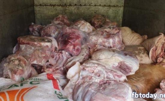 Thu giữ 20 tấn thịt, chân giò lợn bốc mùi tại Lạng Sơn