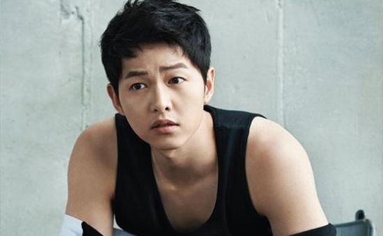 """TOPTEN tung loạt ảnh nóng """"bỏng tay"""" của Song Joong Ki"""