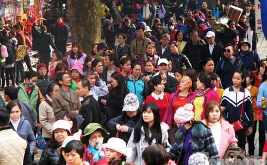 Hàng chục nghìn người về Khai hội chùa Hương