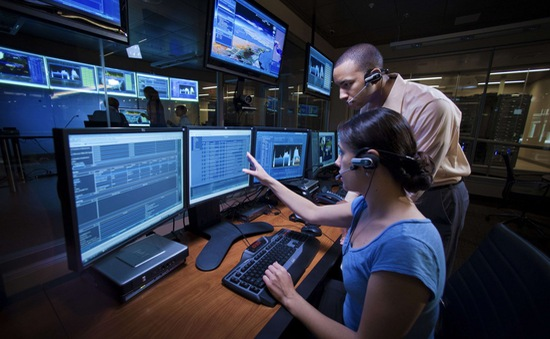 Mỹ thúc đẩy chiến dịch đánh sập mạng Internet của IS