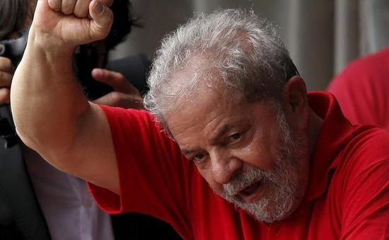 Cựu Tổng thống Brazil bị bắt vì tội rửa tiền