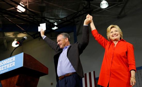 Tỷ lệ ủng hộ bà Hillary tăng sau Đại hội đảng Dân chủ