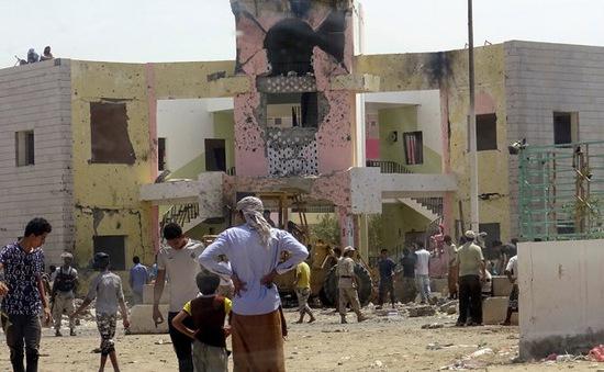 IS nhận trách nhiệm vụ đánh bom đẫm máu ở Aden (Yemen)