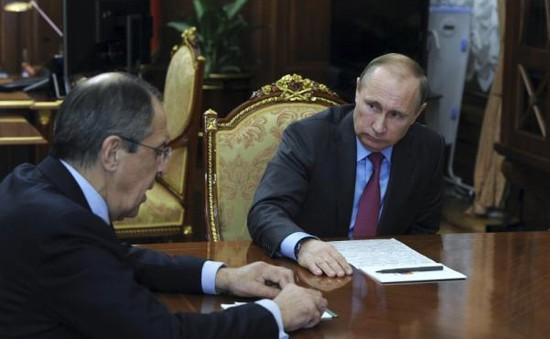 """Quốc tế """"sốc"""" với quyết định rút quân khỏi Syria của Nga"""