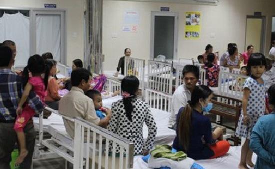 Chưa xác định nguyên nhân 84 trẻ mầm non nhập viện
