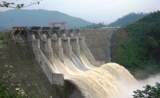 Thủy điện Đăk Mi 4 bị xử phạt 810 triệu đồng