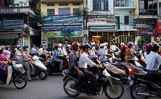 """""""Người trẻ nhất đi khắp thế gian"""" khuyên du khách nên đến Hà Nội"""