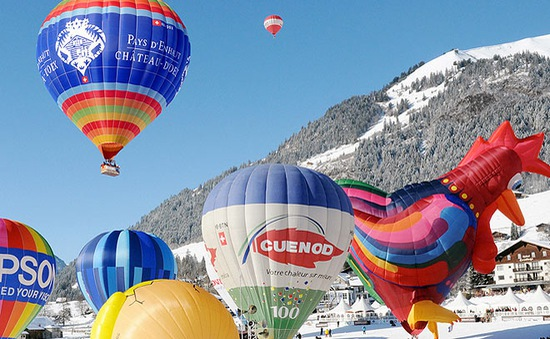 Rực rỡ lễ hội khinh khí cầu tại dãy Alps