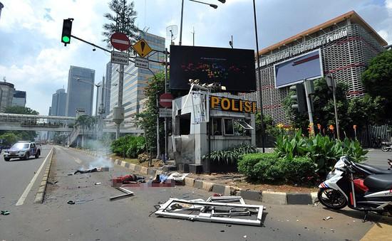 Những hình ảnh đẫm máu về vụ khủng bố ở Jakarta